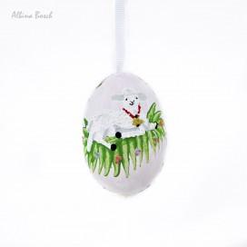 Huevo de pascua decorado en relieve y pintado a mano