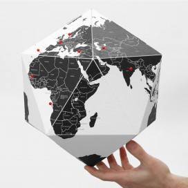 HERE - By countries globe black (23cm)
