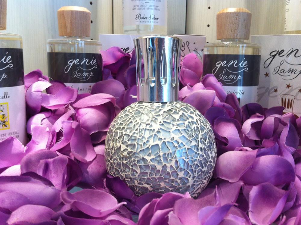 Boles d'olor, Descubre las lámparas Genie Lamp en la tienda Albina Bosch, Vielha, Val d'Aran.