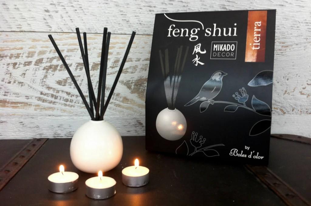 Boles d'olor, Fen shui, mikado Decor. Disponibles en nuestra tienda Albina Bosch en Vielha, Val d'aran.