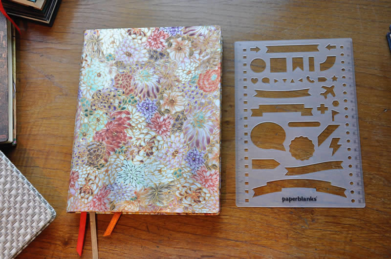 Dot-Grid-Planner-de-Paperblanks-06