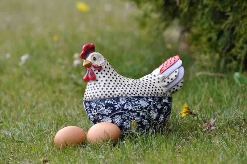 huevos-de-pascua-en-baqueira-albina-bosch-gallina-decoracion